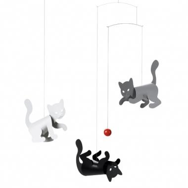 Little_kittens_playing